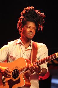 Djeli Kouyate: guitar